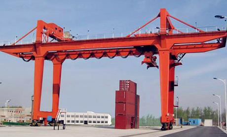 Looking At The Many Benefits Of Container Rail Mounted Gantry Cranes